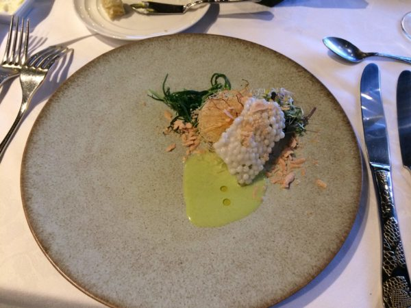 帆立貝を使った料理の写真です